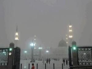 Masjid-an-Nabawi-during-rain